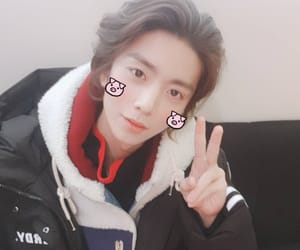 hwiyoung and sf9 image