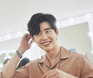 lee jongsuk, 이종석, and smile image