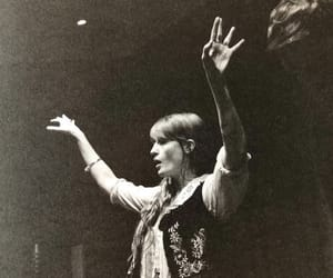 beauty, florence and the machine, and florence welch image