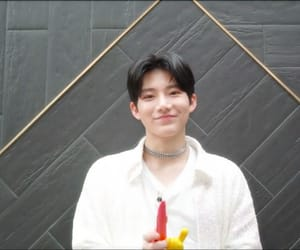 yg, kim junkyu, and yg treasure box image
