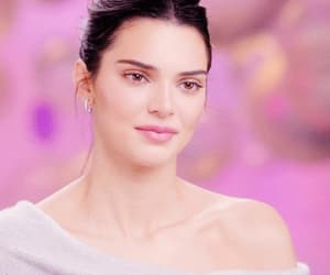fashion, kendall jenner style, and gif image