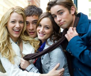 gossip girl, serena, and chuck bass image