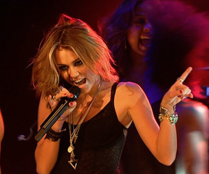 miley cyrus, concert, and singer image