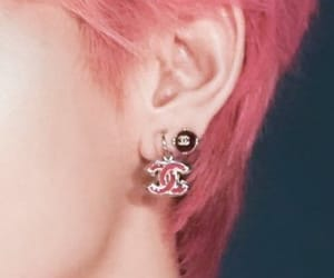 ear, bts, and taehyung image