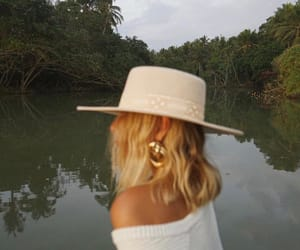 accesories, blonde, and hat image