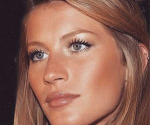 model, Gisele Bundchen, and makeup image