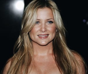 Greys, greys anatomy, and jessica capshaw image