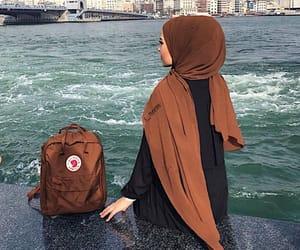 hijabista image