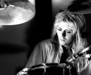 Queen and rogertaylor image