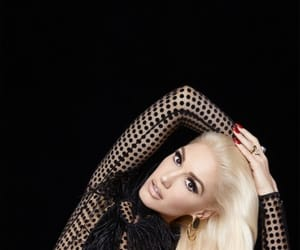 gwen stefani and music image