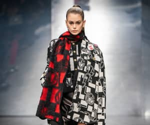 fashion, Versace, and kaia gerber image