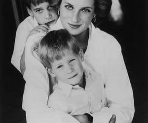 blackandwhite, mother, and princewilliam image