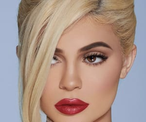 kylie jenner, beauty, and girls image
