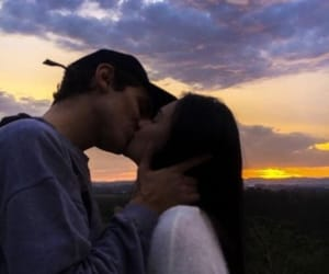 aesthetic, couple, and kiss image