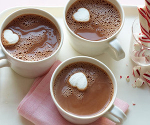 marshmallow and hot ​chocolate image