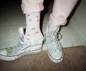 aesthetic, converse, and floral image