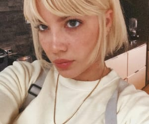 halsey, singer, and instagram image