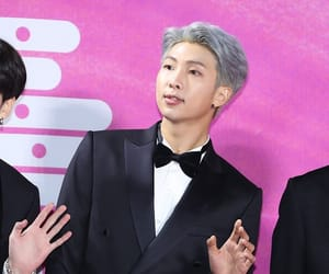 fashion, jin, and red carpet image
