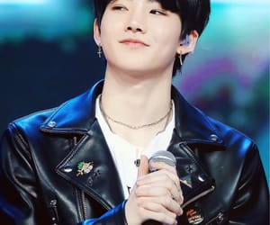 yg treasure box, yg, and kim junkyu image
