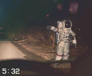 aesthetic, astronaut, and grunge image