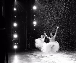 aesthetic, b&w, and ballerina image