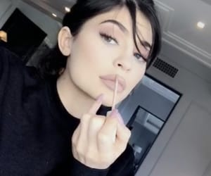 icon, kuwtk, and jenners image