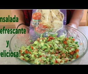 avocado, ensalada, and chile image