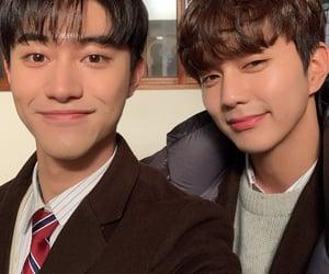 korean, kdrama, and selfie image