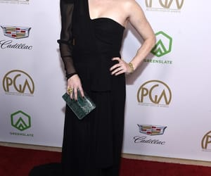 Amy Adams, belleza, and product guild awards image