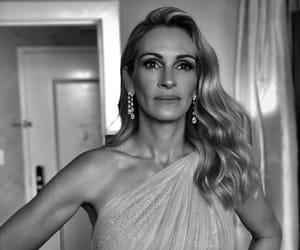 celebrities, actors & actress, and julia fiona roberts image