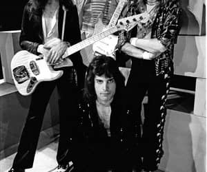 Queen and music image