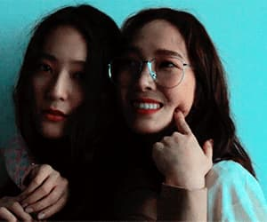 gif, jessica, and krystal image