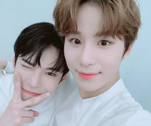 jungwoo, 엔시티, and doyoung image