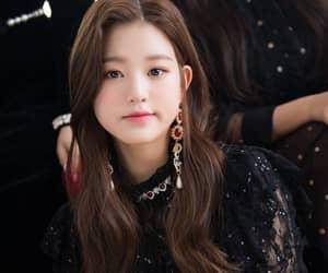 idol, kpop, and la vie en rose image