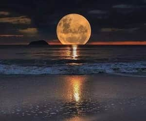 moon, ocean, and that's so pretty image
