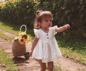 cutest, 👧, and flowers image