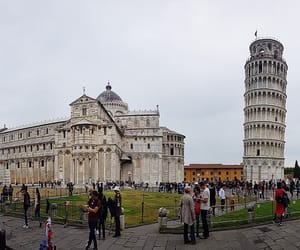 heart, traver, and Pisa image