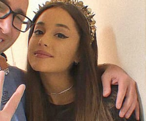 icons and ariana grande image