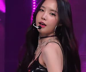 gif, kpop, and a pink image