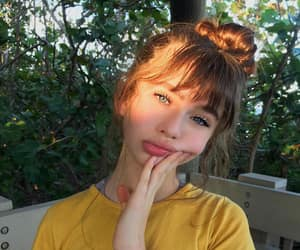 malina weissman, girl, and icon image