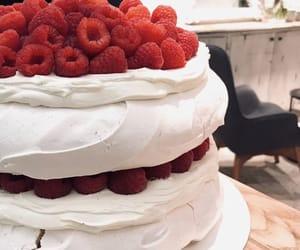 cake, pavlova, and whipped cream image