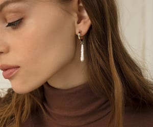 beauty, earrings, and girl image