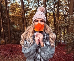 girl, autumn, and inspiration image