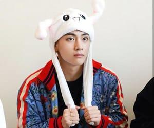 k-pop, tae, and kim taehyung image