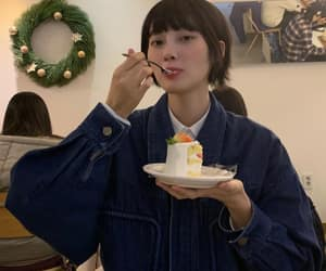 asian, eating, and girl image