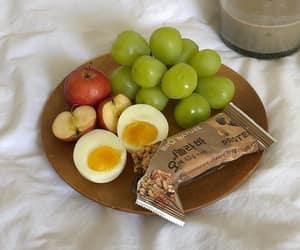 aesthetic, apple, and breakfast image