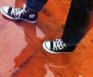 converse, retro, and lluvia image