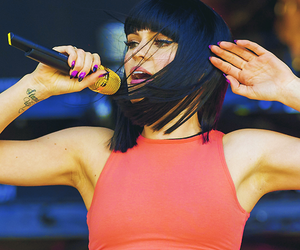 bangs, brunette, and concert image