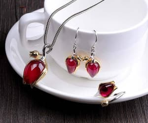 bridal jewelry, earrings, and tulip image
