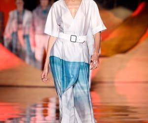 desfile, elegancia, and moda image